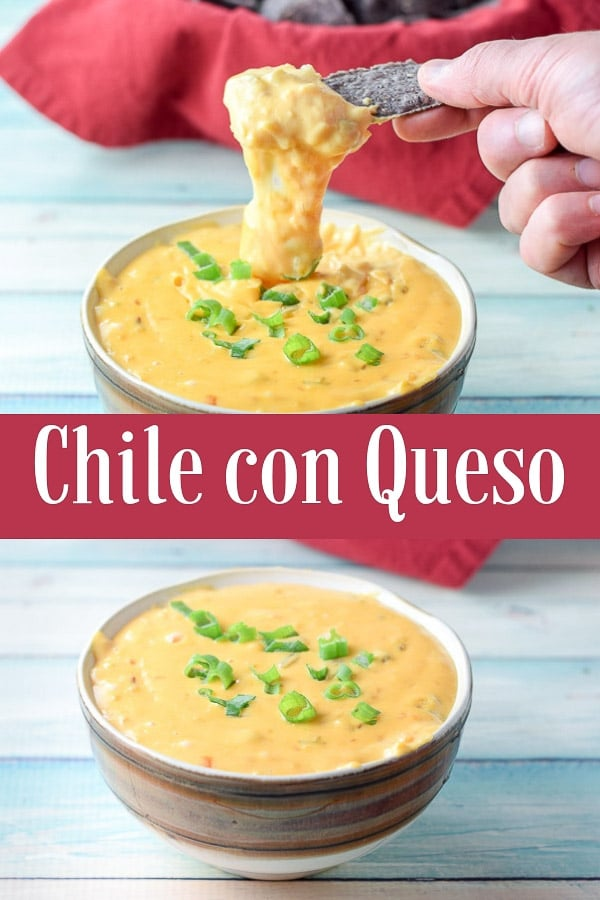 Look how thick and delicious this chile con queso dip is!!  It's so good that it will be the first thing your guests eat before any other appetizer! #dip #chileconqueso #mexican #dishesdelish http://ddel.co/chconqu