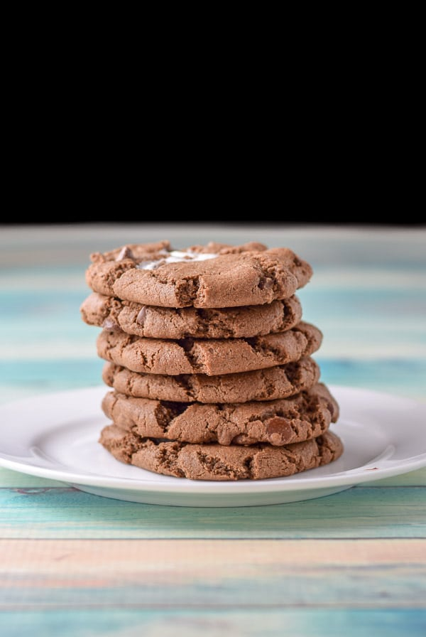 Vertical view of the chocolate marshmallow cookies