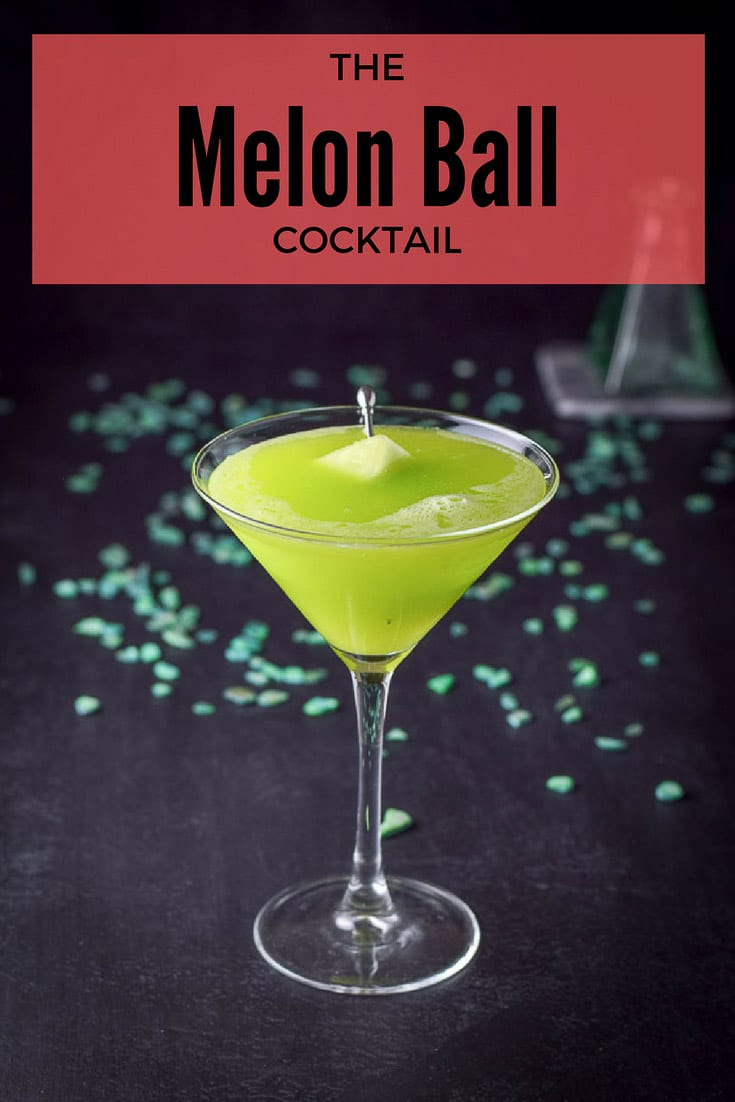 The Magnificent Melon Ball cocktail has a beautiful color and tastes scrumptious! #melonball #cocktail #midori #dishesdelishcocktails http://ddel.co/mmbcktl