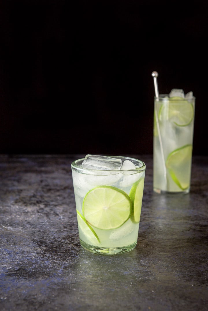Short glass with the gin lime rickey