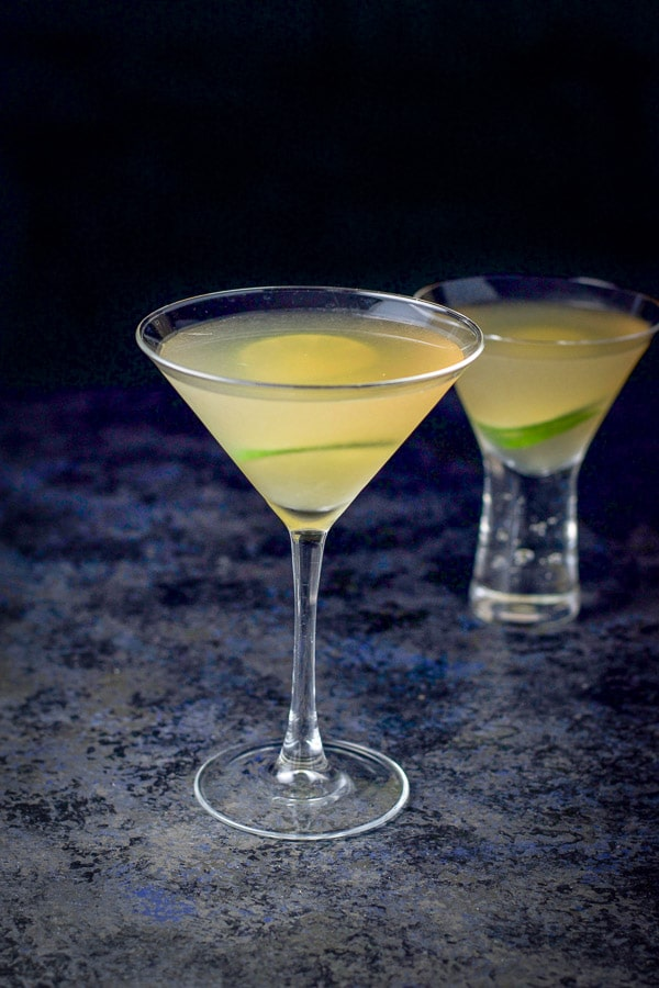 two glasses of the classic daiquiri looking delicious
