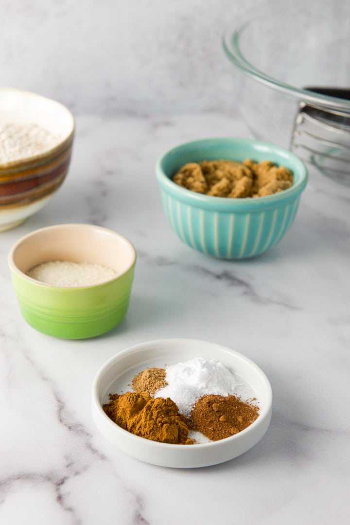 Spices, sugars and flour for the easy pumpkin muffins with crumbles