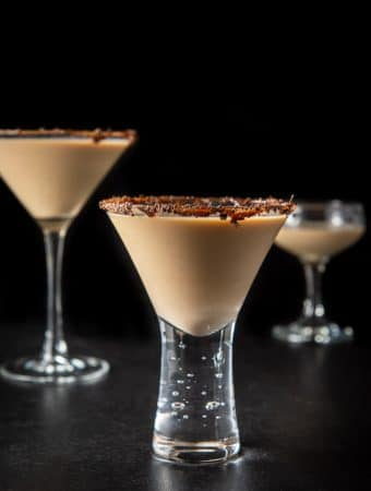 Vertical view of the short glass with the chocolate martini